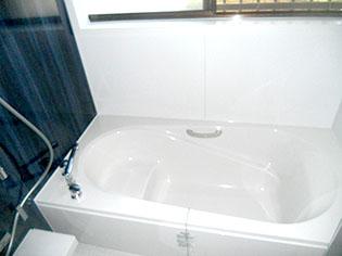 リクシルのキレイユで快適空間。スタイリッシュ&カビがつきにくいパネルのお風呂にリフォーム! 奈良市S様邸