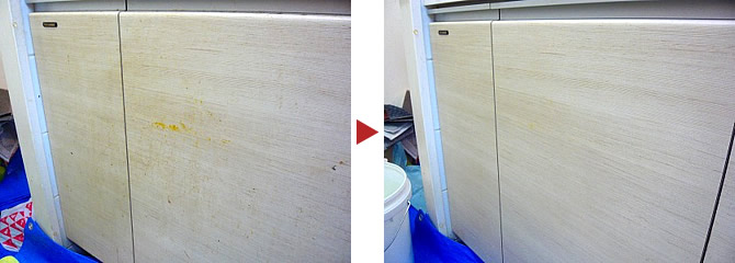 システムキッチン収納庫表面のクリーニング