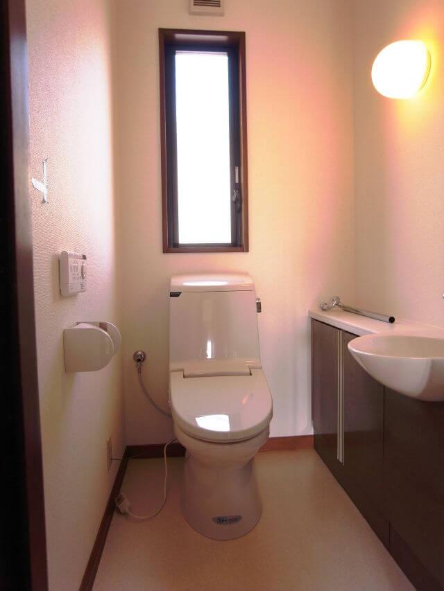 中古住宅の全体的改装とともにトイレ空間もリフレッシュ 奈良市T様邸