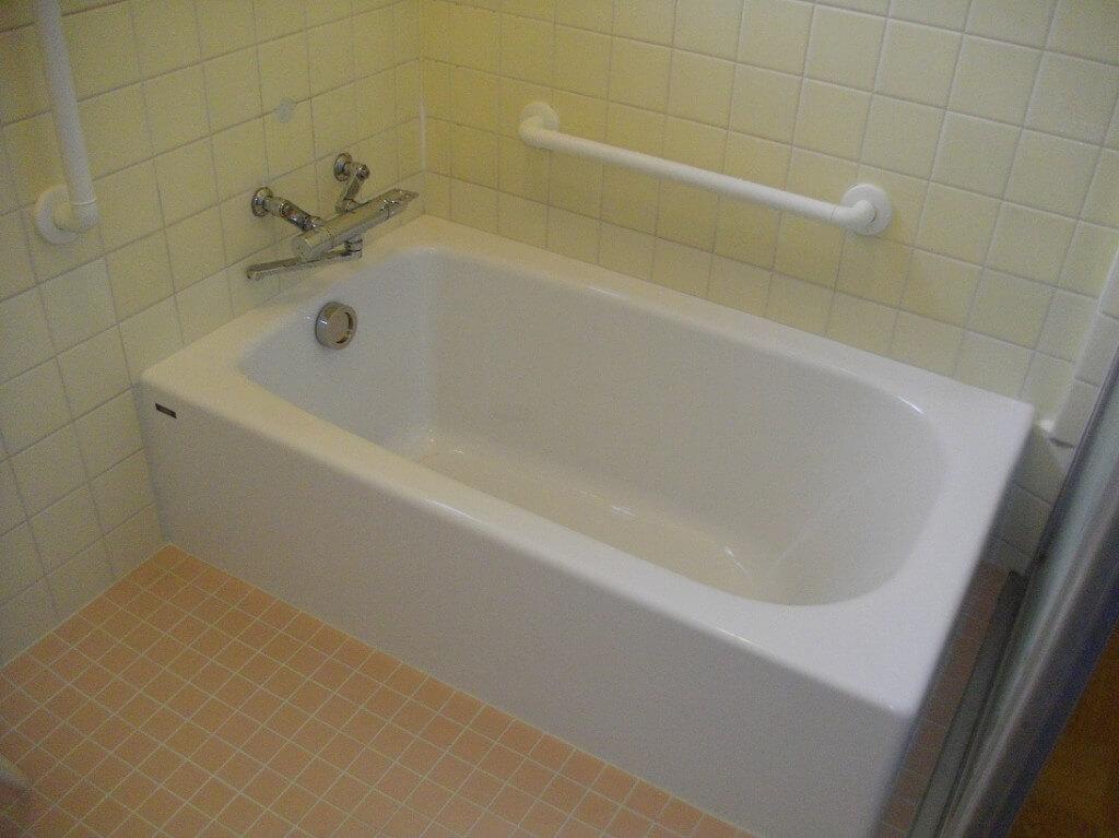 手摺りも設置してリラックスできる浴室へ一新 生駒郡平群町N様邸