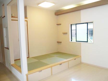リビングの一部に畳コーナーを設置 生駒郡平群町G様邸
