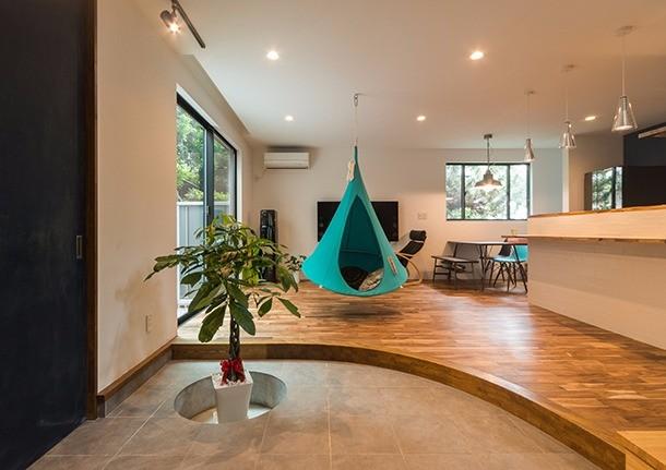 玄関土間とキッチンの空間を一体化