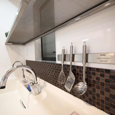 キッチン収納戸棚