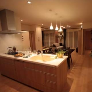 壁側にあったキッチンを対面式キッチンへ