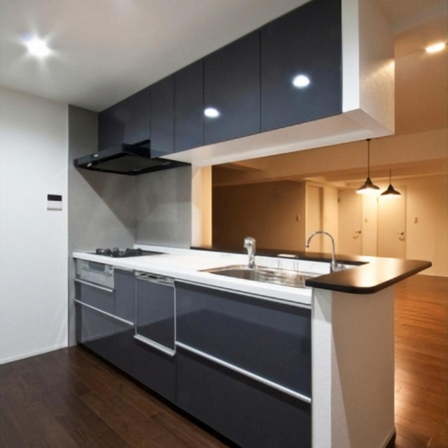 開放的な印象に仕上げたキッチン。