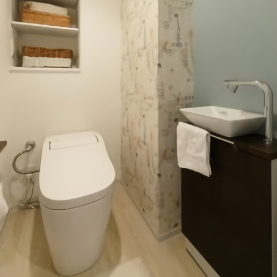 3種類の壁紙でこだわったトイレ