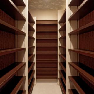 本棚を見やすく収納と充実のウォークインクローゼット