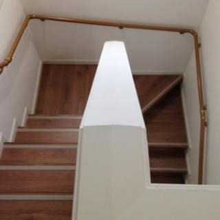 ペットの為に階段のカーペットをフローリングに張り替えリフォーム