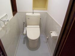 キッチンパネルをトイレに貼る